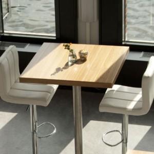Verhuur meubilair decorbouw standbouw interieurbouw for Verhuur tafels